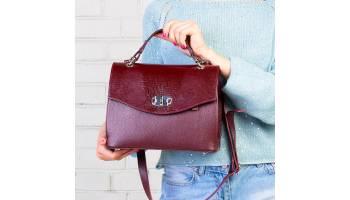 Как характер влияет на выбор женской сумки