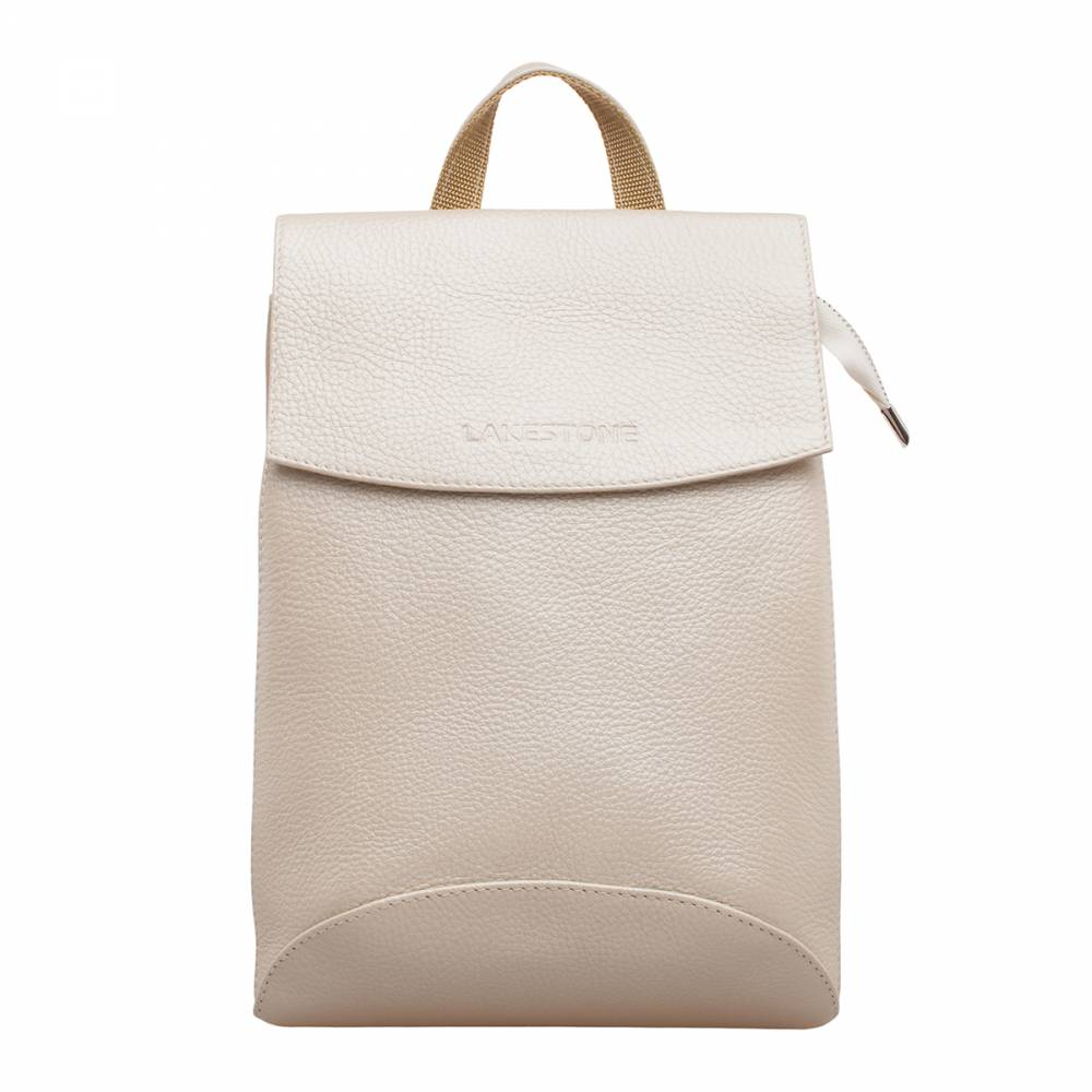Женский рюкзак Ashley Beige Pearl&amp;lt;p&amp;gt;Стильный и удобный рюкзак на все случаи жизни. Такой аксессуар обязательно займет почетное место в гардеробе любой девушки. &amp;lt;/p&amp;gt;&amp;lt;p&amp;gt;Изделие можно носить как на плече, заменяя им сумку, так и за спиной, как рюкзак. Руки в любом случае будут оставаться свободными. Аксессуар пошит из качественной натуральной кожи, которая выглядит очень нежно, благодаря цвету «бежевый перламутр». Он отлично смотрится как джинсами, так и с платьем, выгодно подчеркивая наличие стиля у его обладательницы. Внутренне пространство грамотно организовано. Найдется место для мелких личных вещей, а также для более габаритных атрибутов повседневной жизни. Поэтому такое изделие станет одним из приоритетных аксессуаров на каждый день.&amp;amp;nbsp;&amp;lt;/p&amp;gt;<br>