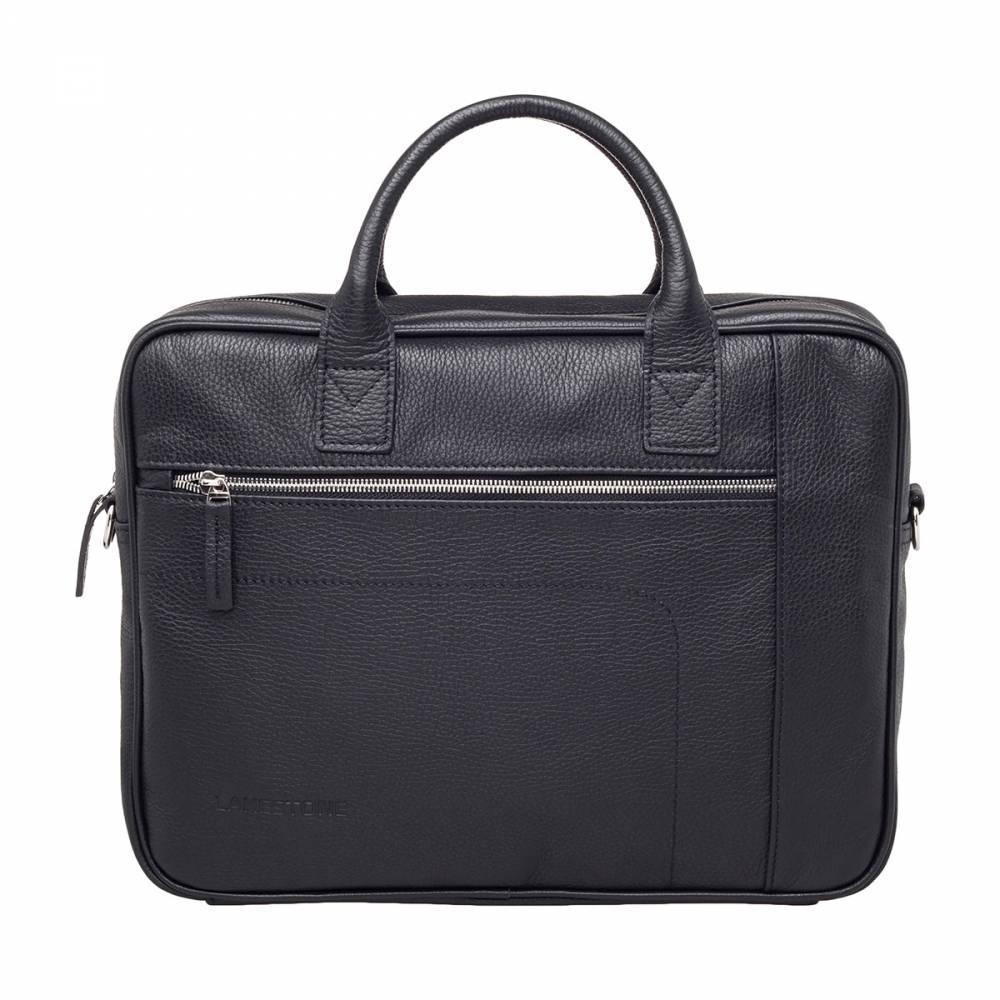 Деловая сумка Baxter Black&amp;lt;p&amp;gt;Достаточно вместительная и одновременно компактная сумка для делового мужчины. Это изделие предназначено для трудовых будней и для краткосрочных деловых командировок. Сумка доведет до безупречности практически любой образ. Они идеально смотрится и со строгим костюмом, и с менее офисным вариантом одежды. Кроме того, что изделие на 100% пошито из натуральной кожи, оно еще и очень удобно в эксплуатации. Это позволит облегчить выполнение задач, которые встают перед современным деловым мужчиной ежедневно.&amp;amp;nbsp;&amp;lt;/p&amp;gt;<br>