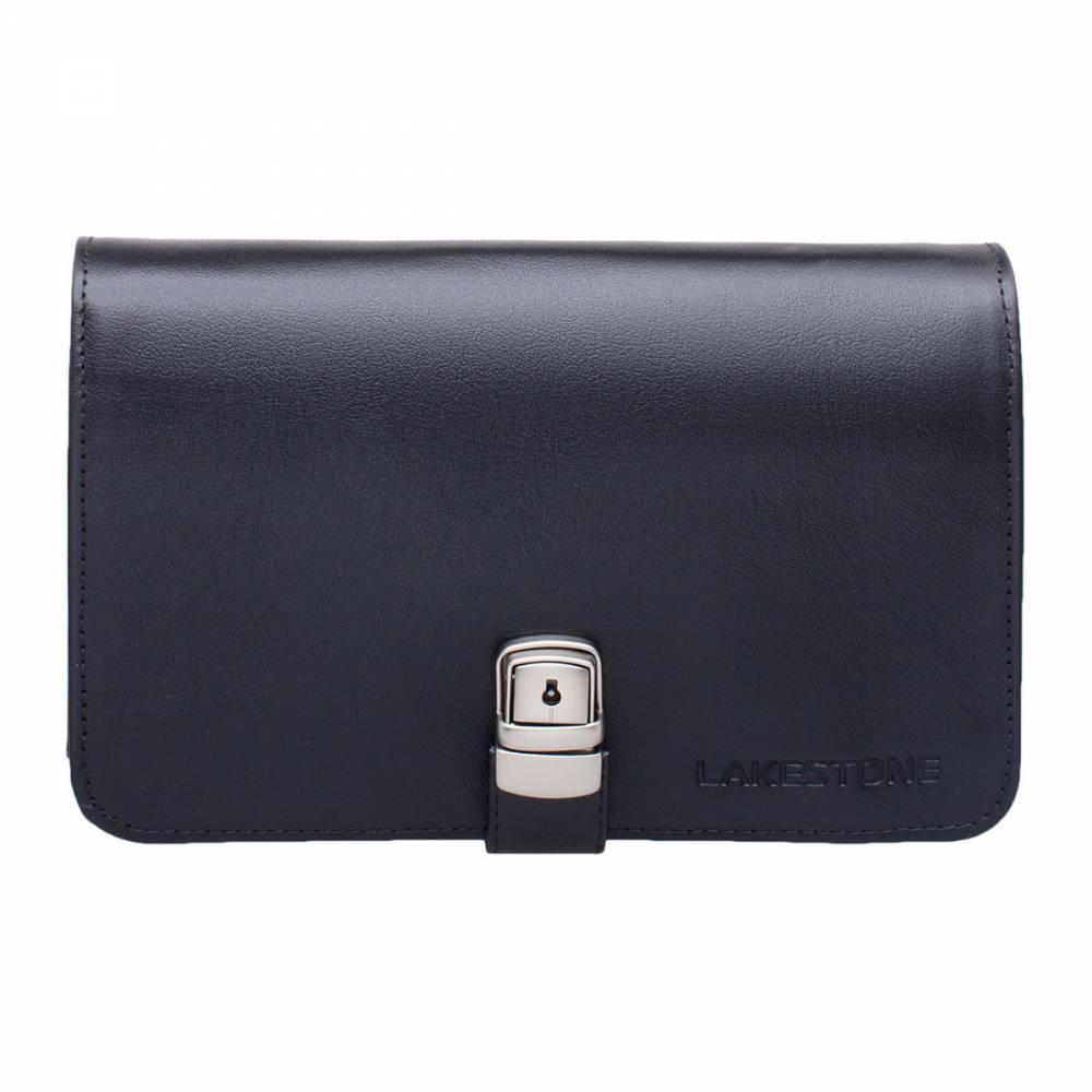 Клатч Belgrave BlackСтильный мужской клатч из натуральной кожи. Изделие представлено в черном цвете, смотрится солидно и оригинально. Аксессуар не имеет лишних деталей, замочков и строчек – минимализм является его отличительной чертой. Зато внутреннее пространство организовано очень функционально. Есть множество карманов для различных мелочей, найдется место для бумаг формата А5, для смартфона и визиток. Клатч в состоянии стать полноценной заменой деловой сумке, если нет необходимости переносить очень габаритные вещи.<br>
