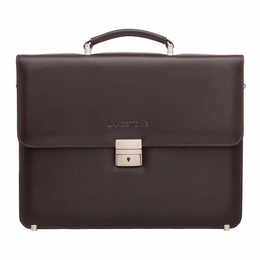Портфель Braydon Brown&amp;lt;p&amp;gt;Стильный классический кожаный портфель, представленный в коричневом цвете. Это универсальный аксессуар, который станет незаменимым помощником делового мужчины во время трудовых будней. С таким изделием можно проводить встречи с партнерами по бизнесу, он является оптимальным аксессуаром для работы в офисе.&#13; Внутреннее пространство продумано до мелочей. Оно состоит из двух карманов открытого типа, кармана-перегородки на молнии и отсека для хранения ноутбука. Портфель удобно носить в руке и на плече, для чего всегда можно воспользоваться съемным кожаным ремнем.&amp;lt;/p&amp;gt;<br>