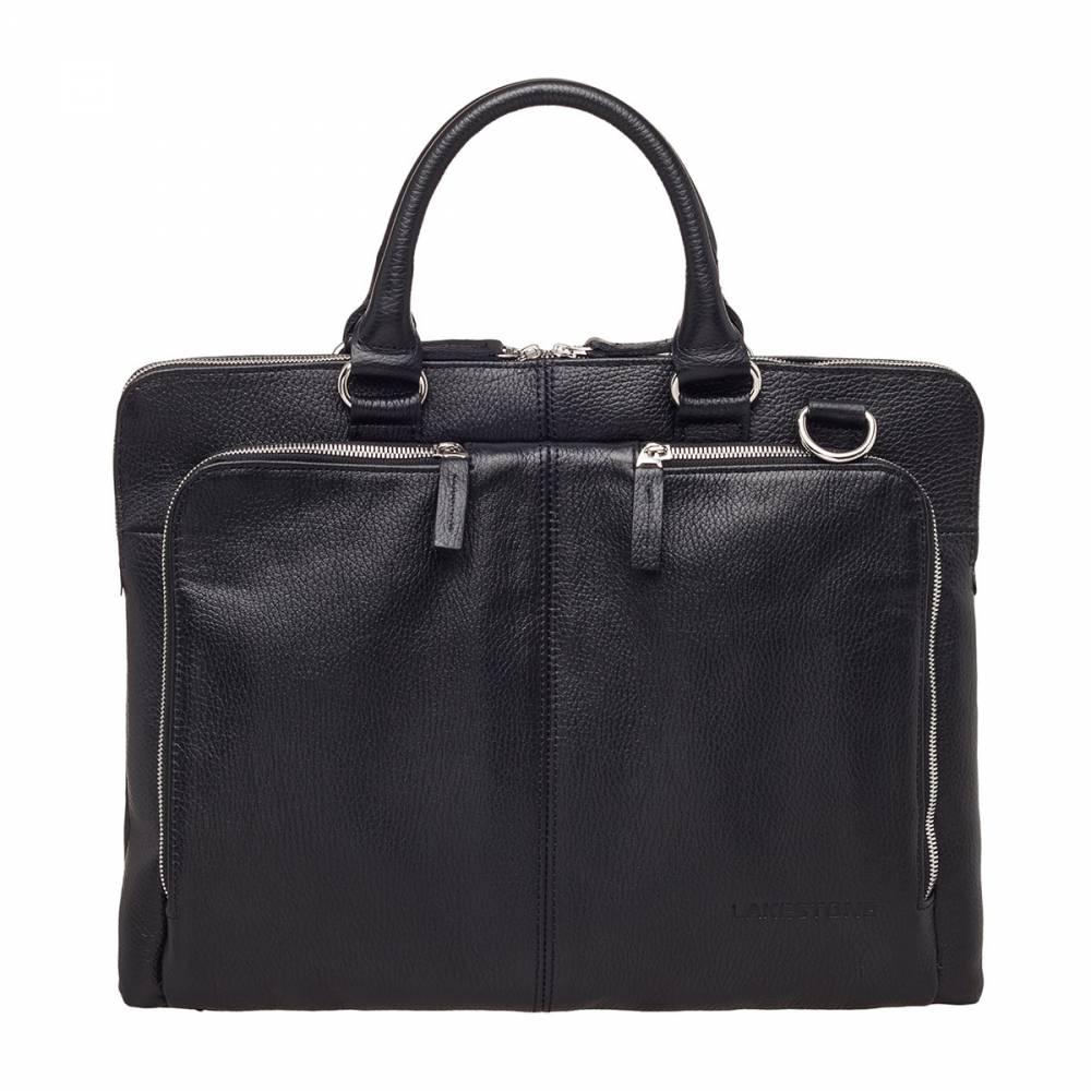 Деловая сумка Brook Black&amp;lt;p&amp;gt;Глубокий черный цвет этой сумки очень продумано подчеркнут металлическими серебряными молниями, которые открывают доступ во все карманы, в том числе и в основное отделение. Сумка изготовлена из качественной натуральной кожи, природный рисунок которой притягивает взгляды и побуждает желание прикоснуться к аксессуару. Очень стильное изделие, которое обязательно придется по вкусу всем без исключения мужчинам, разбирающимся в качественных сумках и знающим цену таким изделиям. Ведь без наличия дорогой и безукоризненной сумки невозможно создать полноценный деловой образ.&amp;amp;nbsp;&amp;lt;/p&amp;gt;<br>