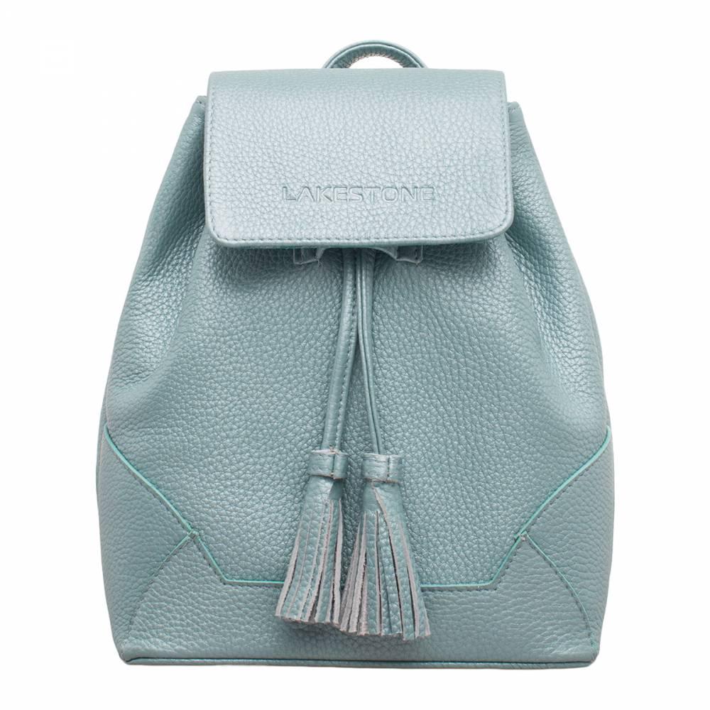 Небольшой женский рюкзак Clare Blue Pearl&amp;lt;p&amp;gt;Компактная модель из натуральной кожи цвета «голубой перламутр». Аксессуар выглядит настолько женственно, что ни одна представительница слабого пола не откажется от покупки такого изделия. Рюкзак можно сочетать практически с любым образом: как с универсальными джинсами, так и с легкими летними сарафанами. &amp;lt;/p&amp;gt;&amp;lt;p&amp;gt;Внутри изделие имеет одно просторное отделение, которое не обременено дополнительными секциями. Это позволяет транспортировать в нем весьма габаритные вещи. В то же время для мелких атрибутов повседневной жизни в аксессуаре найдутся карманы открытого и закрытого типа. &amp;lt;/p&amp;gt;&amp;lt;p&amp;gt;Изделие оснащено удобными лямками, которые позволяют с комфортом переносить его за спиной, даже при максимальной загрузке. Аксессуар обязательно придется по вкусу тем женщинам, которые привыкли к стильным вещам, несмотря на то, что это всего лишь рюкзак.&amp;amp;nbsp;&amp;lt;/p&amp;gt;<br>