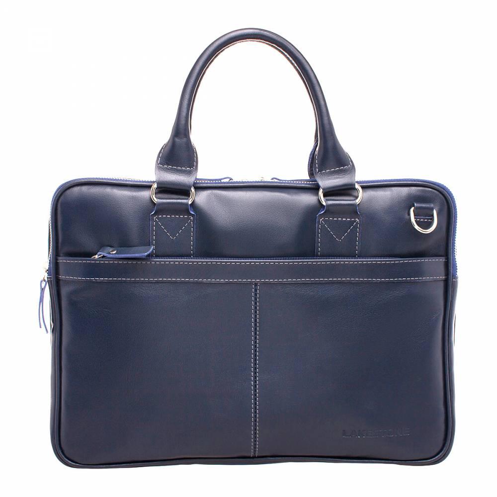 Деловая сумка Cromwell Dark Blue&amp;lt;p&amp;gt;Очень стильная и одновременно практичная деловая сумка для представителей сильной половины человечества. Это аксессуар пошит из натуральной кожи, оснащен надежной фурнитурой, что позволит пользоваться им на протяжении многих лет. Классические строгие формы и глубоки универсальный синий цвет является гарантией того, что аксессуар не выйдет из моды и не утратит своей актуальности. &amp;lt;/p&amp;gt;&amp;lt;p&amp;gt;Внутреннее пространство достаточно широко раскрывается, что позволяет без проблем доставать из него даже габаритные и угловатые вещи. В недрах сумки найдется место как для современных электронных гаджетов, так и для более мелких вещей. &amp;lt;/p&amp;gt;&amp;lt;p&amp;gt;Транспортировать аксессуар удобно за две небольшие ручки. Также, по мере необходимости, можно воспользоваться кожаным ремнем, который крепится на карабинах.&amp;amp;nbsp;&amp;lt;/p&amp;gt;<br>