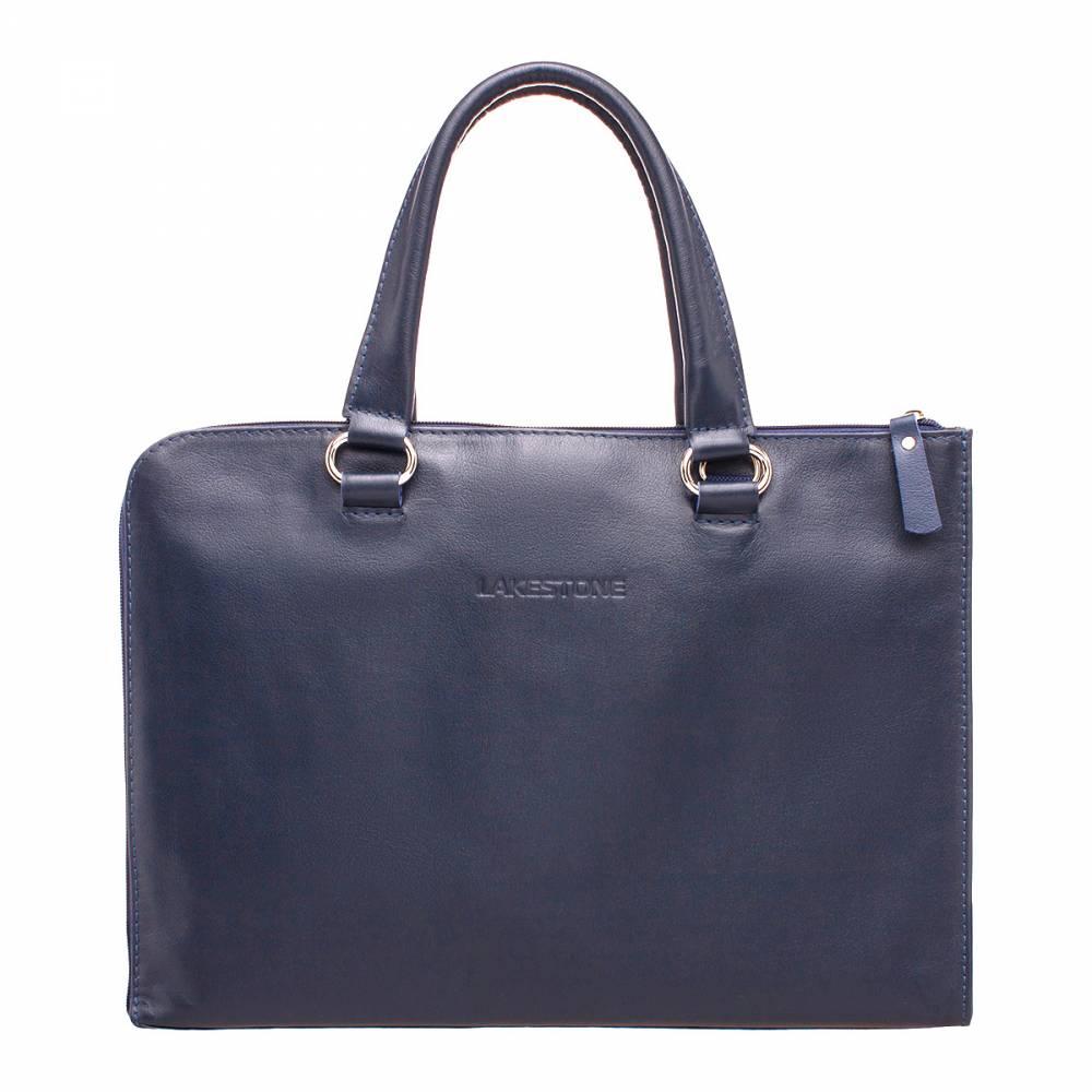 Деловая сумка-папка Randall Dark Blue&amp;lt;p&amp;gt;Сумка-папкая для делового мужчины – это незаменимый атрибут на каждый день. С таким аксессуаром можно появиться практически где угодно, на встрече с партнерами по бизнесу, на переговорах в ресторане или в офисе. Качественная натуральная кожа и глубокий синий цвет придают изделию невероятно презентабельный внешний вид. &amp;lt;/p&amp;gt;&amp;lt;p&amp;gt;Внутреннее пространство имеет продуманный функционал. В нем есть карман на молнии, карман для хранения ноутбука или планшета, найдется достаточно места для документации и прочих деловых бумаг. &amp;lt;/p&amp;gt;&amp;lt;p&amp;gt;Способ транспортировки изделия - в руках, для чего оно оснащено мягкими ручками, имеющими анатомическую форму. Любые дела вести намного легче, когда не сомневаешься в безупречности своего внешнего вида.&amp;amp;nbsp;&amp;lt;/p&amp;gt;<br>
