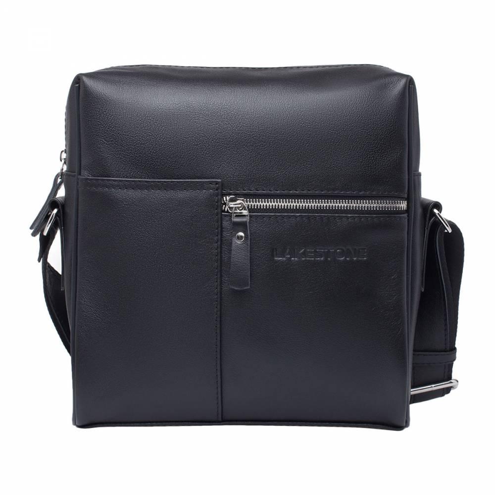 Сумка через плечо Sandy BlackКомпактная сумка с поразительной вместительностью и ультрамодным дизайном. Несмотря на то, что изделие выглядит довольно оригинально, оно отлично подойдет к классическому костюму, так как имеет строгие формы и презентабельный внешний вид. Пошит аксессуар из качественной натуральной кожи, что делает его действительно долговечным. Что касается внутреннего пространства, то оно очень просторно. В него поместятся все необходимые вещи, а также документы формата А5. Очень удобно также и то, что сумка оснащена плечевым ремнем, который дает возможность разгрузить руки.<br>