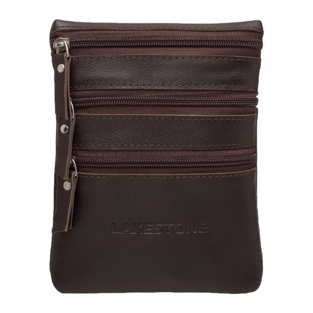Небольшая сумка через плечо Wesley BrownУдобная небольшая сумка отлично&#13; подходящая для ежедневного использования. Такой аксессуар должен быть в наличии&#13; у каждого мужчины, который ценит свое время и понимает значение качественных&#13; кожаных изделий для создания идеального образа. Известно, что встречают «по&#13; одежке», и мужская сумка не является исключением. Чем качественнее и солиднее&#13; изделие, тем лучше впечатление о человеке. С таким аксессуаром можно подать&#13; себя как преуспевающего активного бизнесмена, который привык держать свои вещи&#13; в идеальном порядке. Сумка выполнена вручную, что гарантирует высокое качество&#13; изделия.<br>