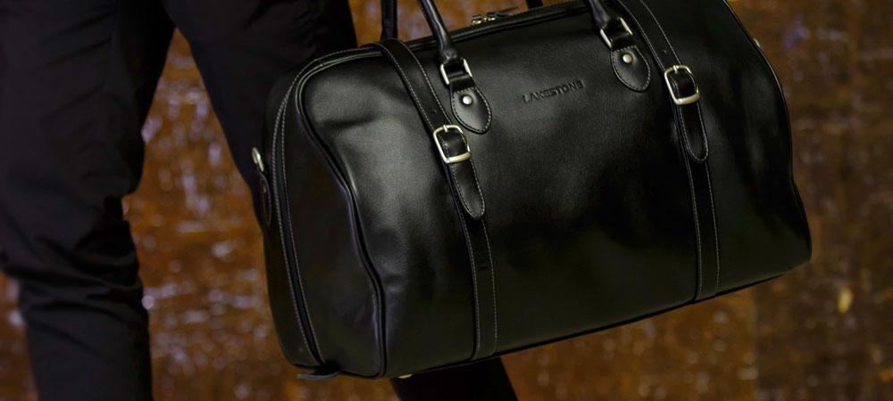 b2fa42c49424 Хорошая спортивная сумка для фитнеса отличается большим количеством  отделений, изготовлена из прочного, быстросохнущего материала, имеет  средние размеры и ...